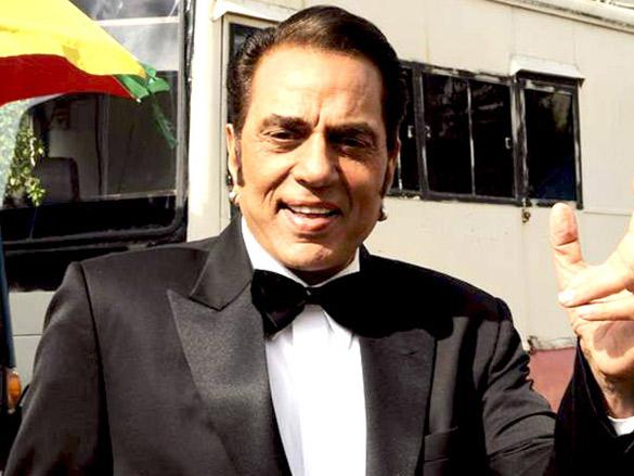Veteran actor Dharmendra undergoes endoscopy operation in ...