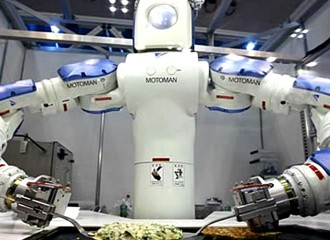 World's first robo chef unveiled at the CES in Shanghai
