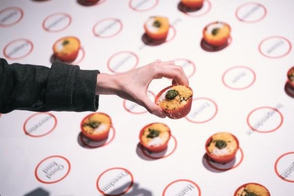 Desire fool cupcakes | Edible installation |Garden of the Zodiac Gallery| Omaha| 2015