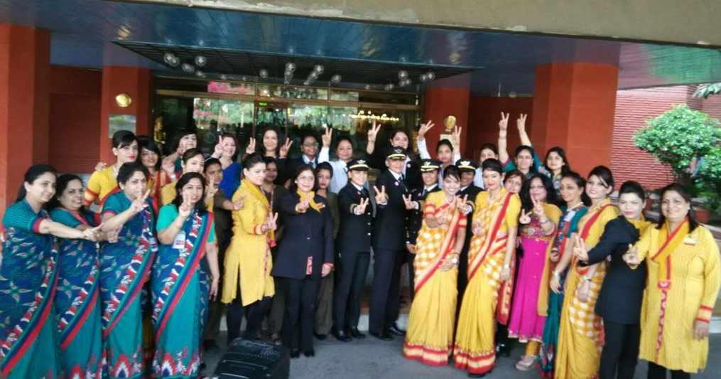 Air India celerates  International Womens day by flying high, operates world's longest all-women flight, 14500 km in 17 hours non stop from San fransisco to New Delhi -  Economic Times