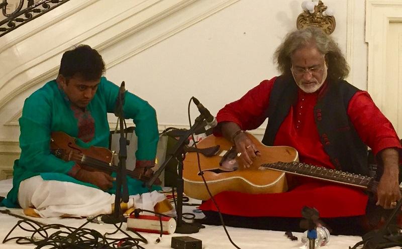 H.N. Bhaska (left) and Pandit Vishwa Mohan Bhatt performing jugalbandi at the Embassy of India on April 6.
