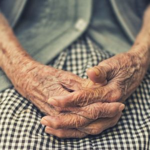 hands-old-woman