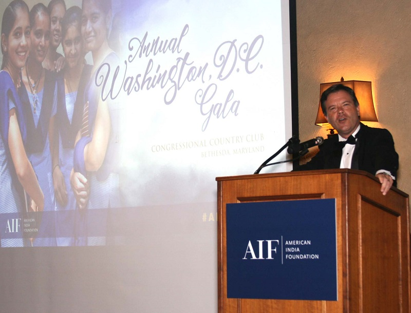 AIF President and CEO Alex Counts speaking at the DC gala on September 23.