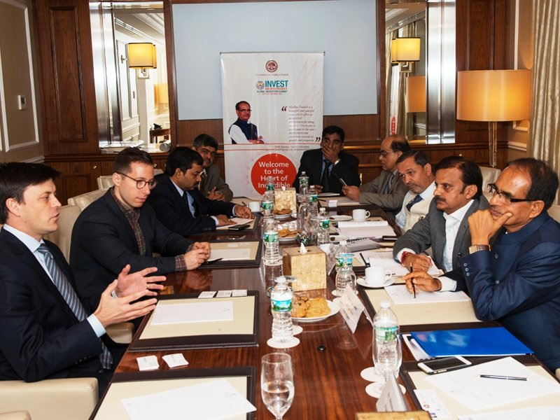 Madhya Pradesh Chief Minister Shivraj Singh Chouhan meeting with US business executives in New York during his visit to the United States in August 2016. Photo credit: Twitter