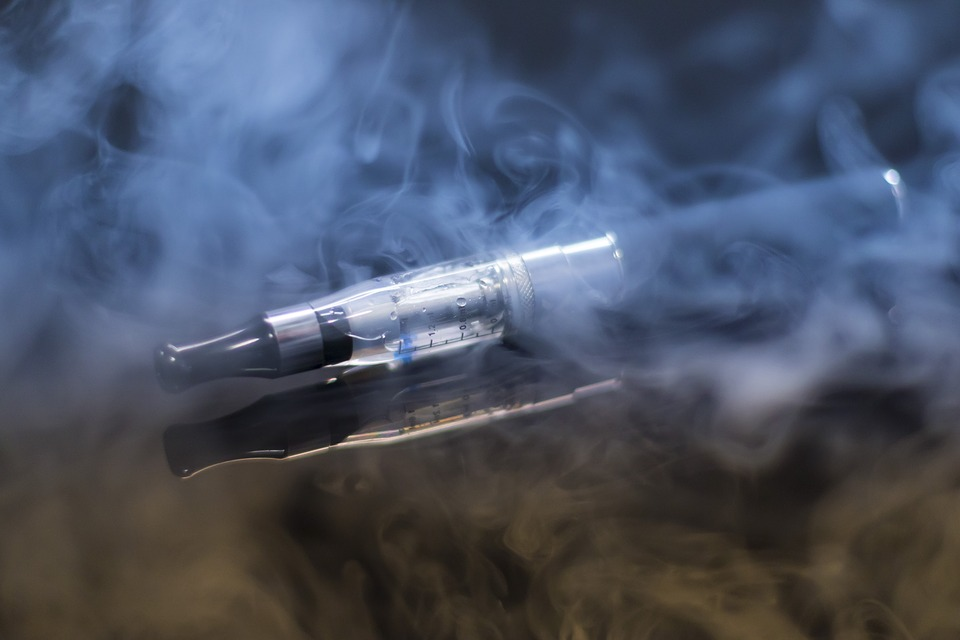 e-cigarette-1881957_960_720
