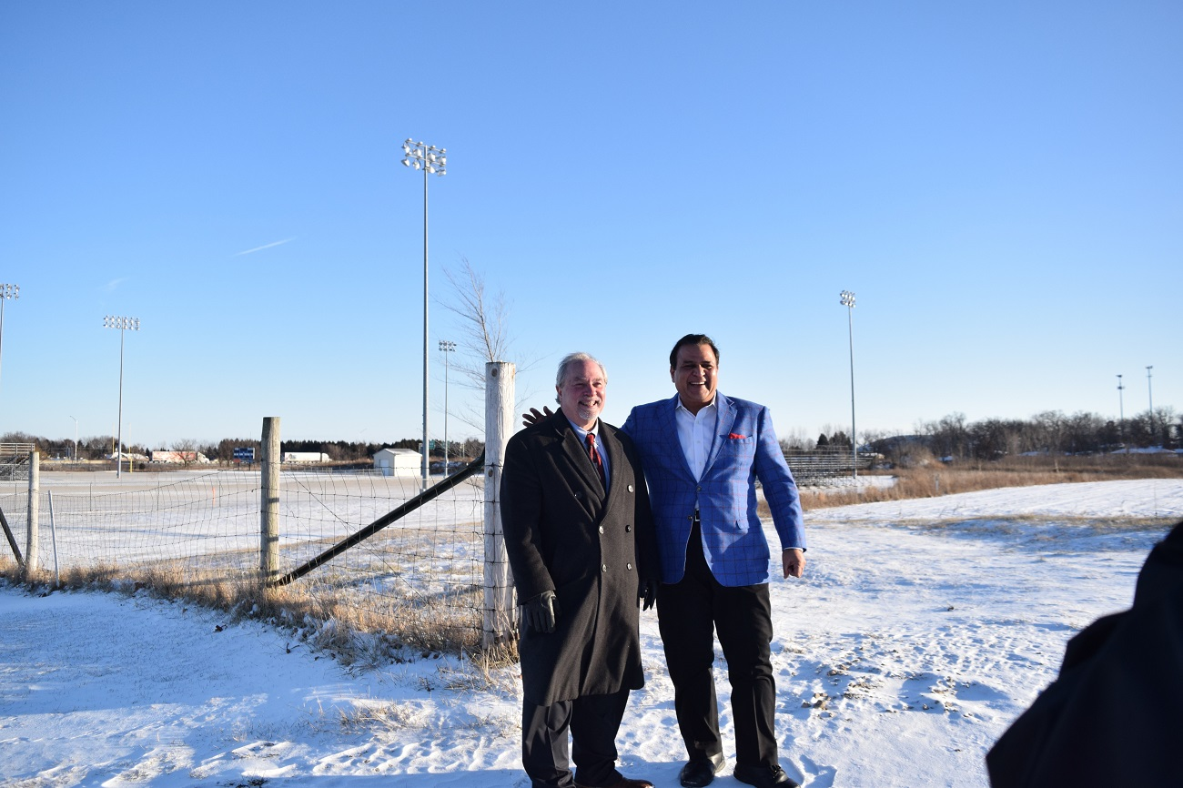Indian American philanthropist Sunil Puri donates 8-acre land to Illinois school