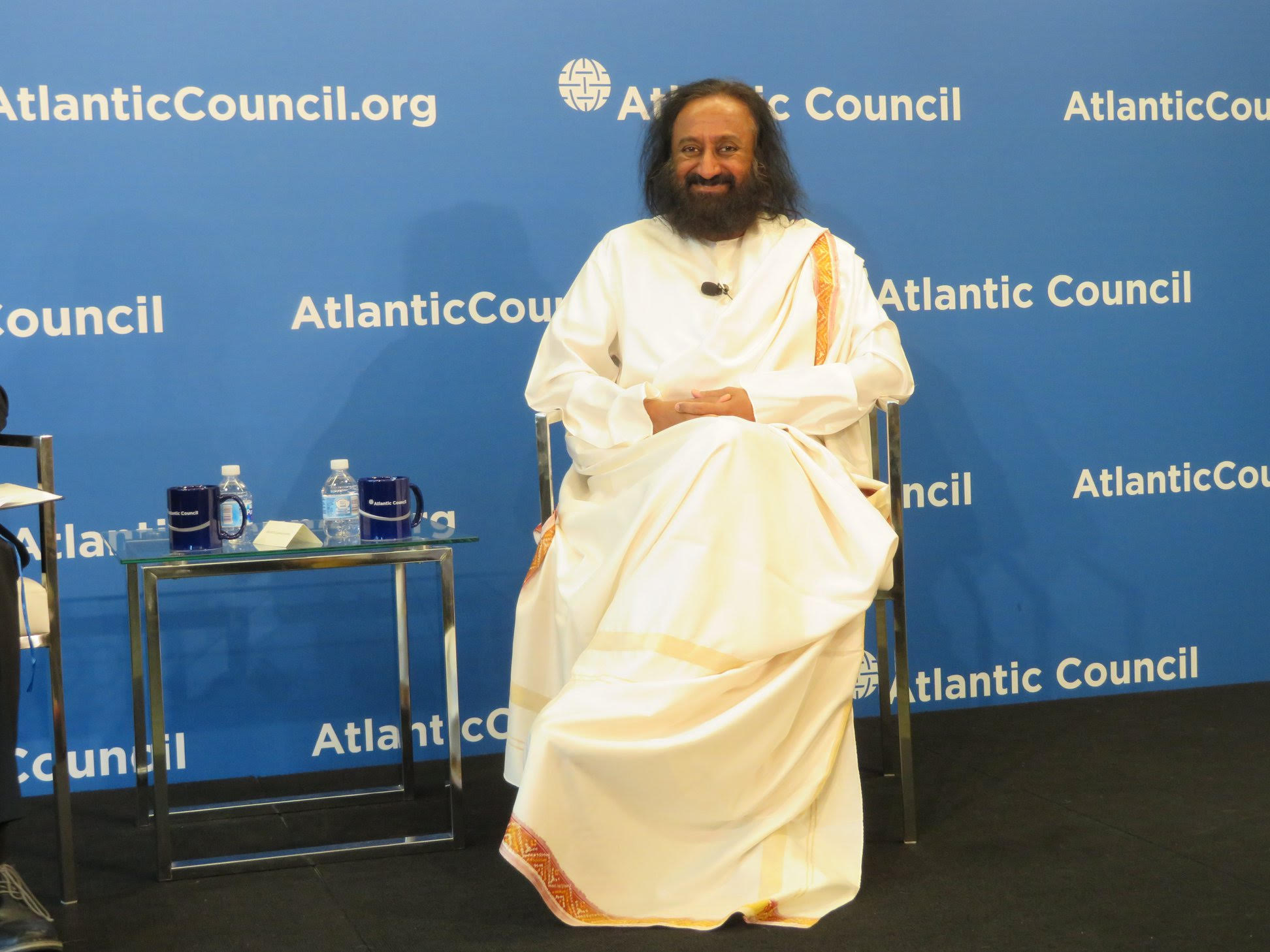 Teach kids the importance of non-violence: Sri Sri Ravi Shankar