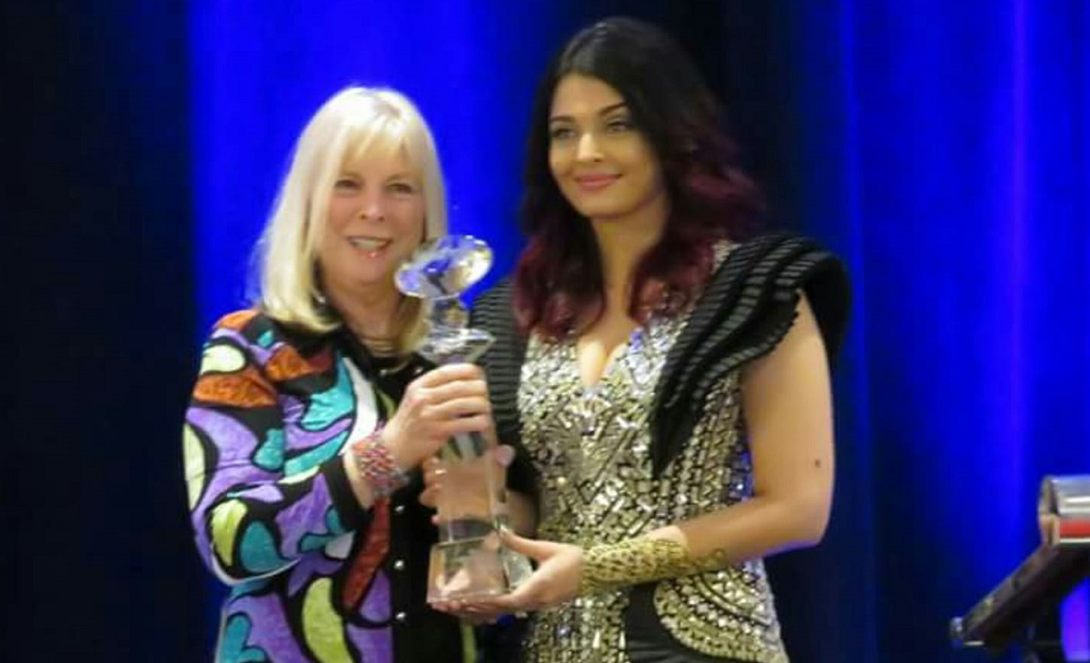 Aishwarya Rai with Meryl Streep Award