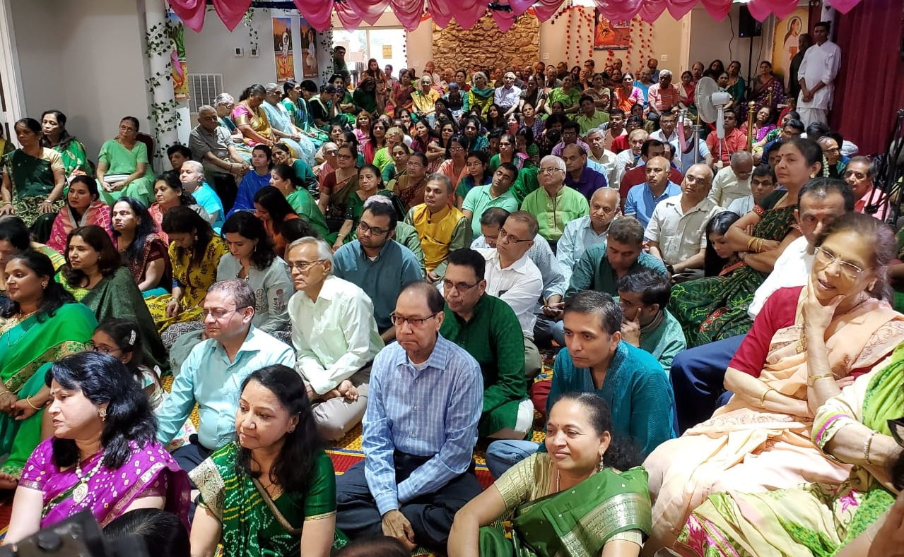Devotees at the Shrinath Dham Haveli Patotsav.