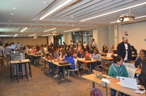 Hackers at Atlanta MetroHacks Women III Hackathon